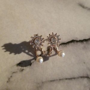 Jewelry - Dazzling Pearl Snowflake Stud Earrings Rose Gold